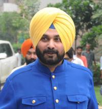 Ask Centre to press for UK PM's apology on Jallianwala Bagh massacre: Sidhu to Capt