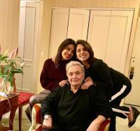 Priyanka catches up with Neetu, Rishi Kapoor in NYC