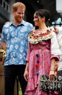 Meghan rushed through Fiji market filled with royal-watchers