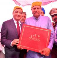Kapil Dev showcases his book on gurdwaras