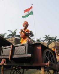 Prez Vyapoory performs rituals at Brahma Sarovar
