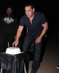 Bollywood's Bhai, Salman turns 53; celebs attend birthday bash