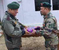 Army Chief discusses strategy for counter-terror ops