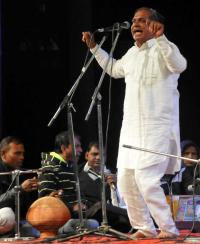 Ragini singers enrapture crowd at Tagore Theatre