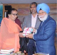 Writer concerned over 'trend' against Punjabi