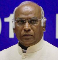 What Kharge said in his dissent note on CBI chief Alok Verma