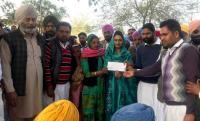 Harsimrat gives Rs 85-lakh grant to 13 SAD panchayats