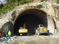 Rohtang tunnel shut after avalanche threat