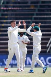 Olivier helps SA blank Pakistan 3-0