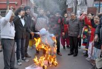 Teachers burn state govt's effigy