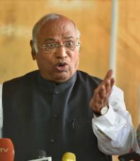 No threat to Karnataka Government: Congress