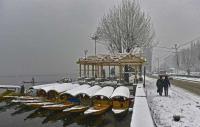 Snowfall in Valley hits road, air traffic