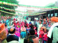 In Jind, voters wait and watch