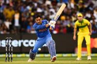 Have seen Sachin get angry but not Dhoni, says Shastri
