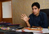 Shah Faesal launches crowd-funding campaign for 'clean politics' in Kashmir