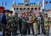 BSF gifts sweets to Pak Rangers on Republic Day