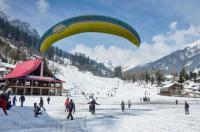 Skiers rue lack of lifts, snow-beaters at Narkanda, Solang