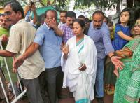 Advantage Mamata in slugfest with Centre