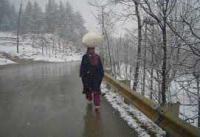 After heavy snow, weather improves in J&K