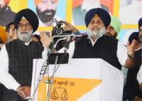 Sukhbir promises free power to farmers