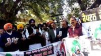 SAD leader Bikram Majithia mocks at Capt by distributing free phones to MLAs