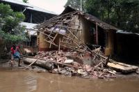 72-yr-old man offers to sell kidney to rebuild flood-hit house