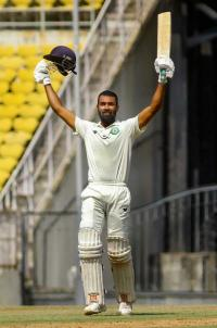Karnewar smashes ton to boost Vidarbha hopes