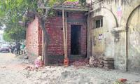 Civic body to construct bus stop on encroached footpath
