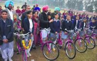 Smart classes in government schools soon, says Bittu