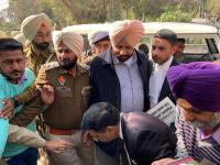Action against IG 'not enough',  Congmen want Badals booked