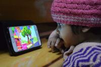 Glued to gadgets, kids complain of dry eyes