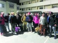 300 Kashmiri students reach Jammu, 30 others en route