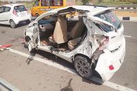 दर्दनाक हादसे में उड़े कार के परखच्चे,2 महिलाओं की मौत
