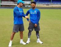 टीम इंडिया के गेंदबाजी कोच बोले, पंत की तुलना धोनी जैसे लीजेंड से मत करो
