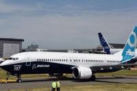 बोइंग 737 मैक्स बैन: हवाई यात्रियों पर दोहरी मार,किराया 50% तक बढ़ा