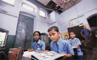 कई स्कूलों में केवल दो या चार छात्र : मंत्री