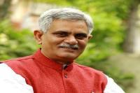 केजरीवाल हो चुके हैं भ्रष्टाचारी, कांग्रेस उसी से मांग रहे सहयोग से भीख: मंत्री ग्रोवर