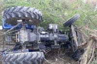 हादसा: ट्रैक्टर ट्रॉली के नीचे दबने से चालक की दर्दनाक मौत