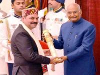 रैबीज का सस्ता इलाज ढूंढने पर डा. ओमेश भारती पद्मश्री पुरस्कार से सम्मानित