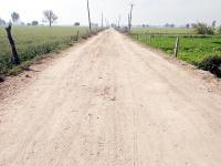 आजादी के 7 दशक बीते, कई गांवों को जाने वाले रास्ते अभी भी कच्चे
