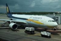 जेट एयरवेज की फ्लाइट कैंसिल होने से परेशान हुए यात्री, बनी असमंजस की स्थिति