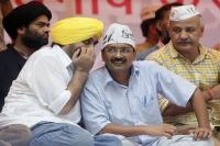 गठबंधन की आस लगाए बैठी AAP पर बढ़ा उम्मीदवार घोषित करने का दबाव