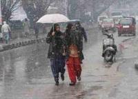 जम्मू कश्मीर के मैदानी इलाकों में बारिश , पहाड़ों पर बर्फबारी