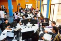मोदी सरकार में कामगार पुरुषों की संख्या में आई भारी गिरावट, सरकार छिपा रही आंकड़े