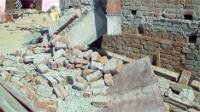 कुशीनगर में ढलाई करने वाली मशीन का डोंगा गिरने से व्यक्ति की मौत