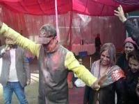 पत्नी संग खूब नाचे CM जयराम, Holi पर ओक ओवर में डाली नाटी (Watch Video)