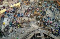 कर्नाटक: धारवाड़ में निर्माणाधीन इमारत गिरने से अब तक 14 की मौत, मलबे से आ रही लोगों की आवाजें