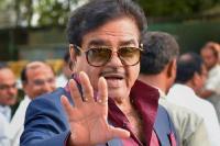 24 मार्च को कांग्रेस का दामन थामेंगे शत्रुघ्न सिन्हा, पटना से लड़ सकते हैं लोकसभा चुनाव