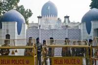 पाकिस्तान उच्चायोग के बाहर हुर्रियत नेता को दिल्ली पुलिस ने हिरासत में लिया