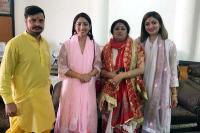 बॉलीवुड अभिनेत्री यामी गौतम ने परिवार सहित मां ज्वाला के दरबार में नवाया शीश